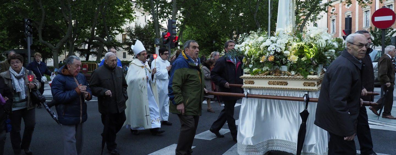 Rosario de las velas en honor de la Virgen de Fátima