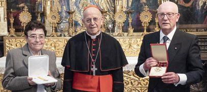 El Papa condecora a José Mª Conde y Pilar de Pablos por su servicio a la Iglesia de Valladolid