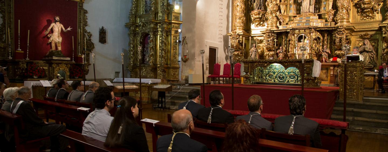 La cofradía de la Sagrada Pasión celebra la festividad de la Virgen de los Dolores