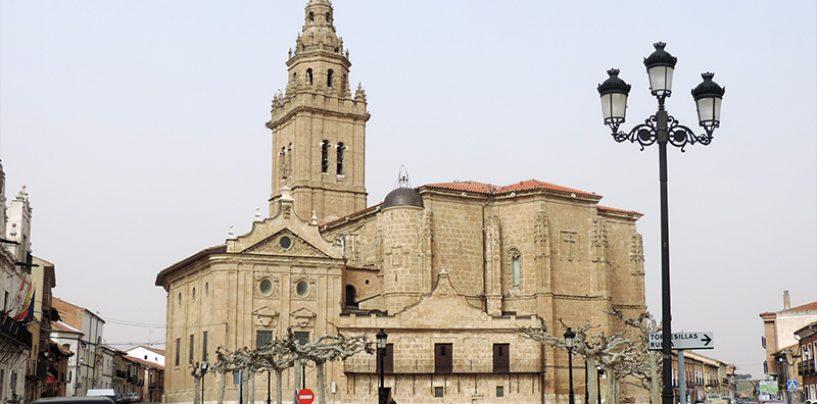 Obras de restauración en la torre de la Iglesia de los Santos Juanes de Nava del Rey