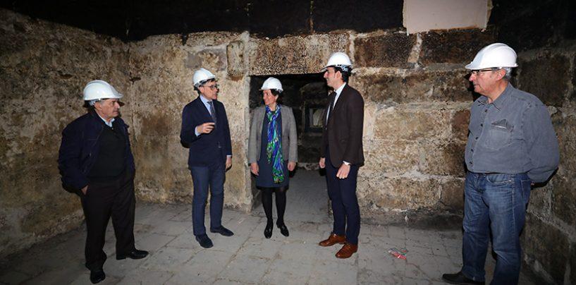 La Junta ha destinado cerca de un millón de euros a obras de restauración en la iglesia de los Santos Juanes de Nava del Rey
