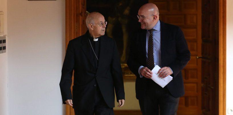 Don Ricardo Blázquez renueva en la Diputación  el convenio que permite invertir más de 800.000 euros  en templos