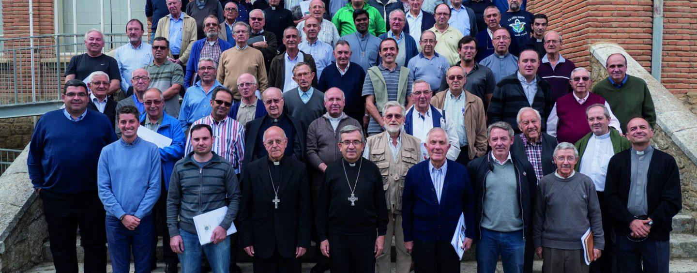 Un centenar de sacerdotes participan en el encuentro de principios de curso de Villagarcía