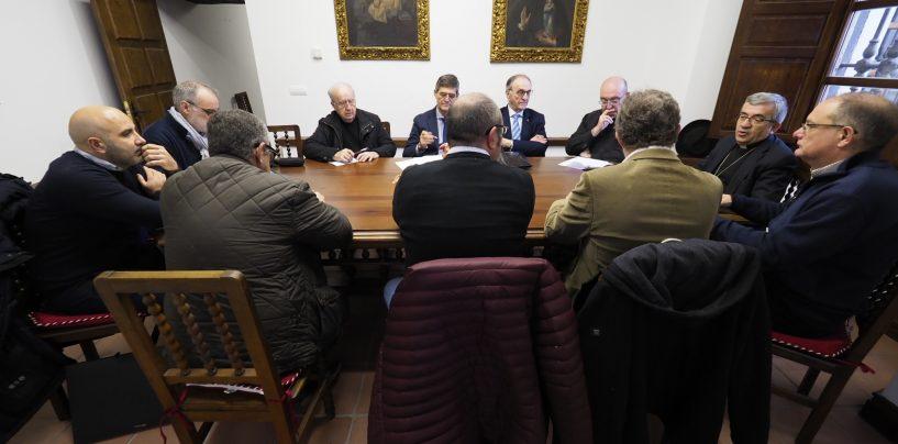 El Arzobispado propone ubicar la biblioteca del Seminario en la nave del Evangelio de la Catedral