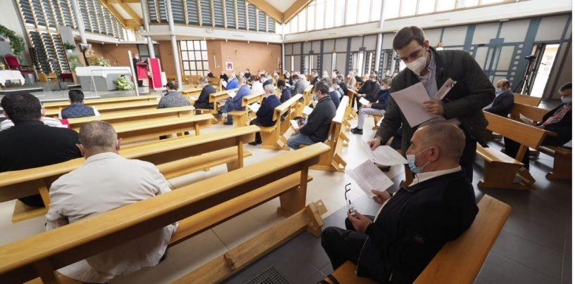 Los sacerdotes celebran en La Vega su tradicional encuentro de principios de curso